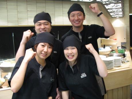 新梅田食道街でアルバイト【ホールスタッフ】しゃぶしゃぶ食べ放題のお店・土日祝勤務可歓迎・未経験OK