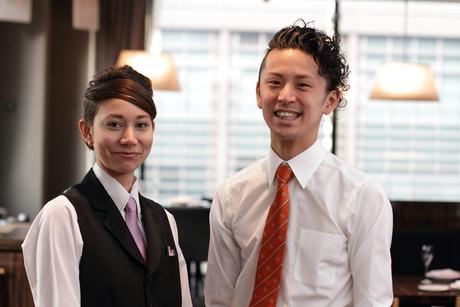 笑顔でお客様をおもてなし【ホールスタッフ】カジュアルイタリアンレストラン