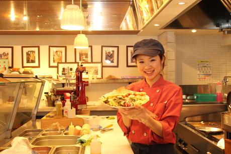 アメリカ西海岸風のカフェ【キッチンスタッフ】契約農家から届く新鮮野菜で食のおもてなし