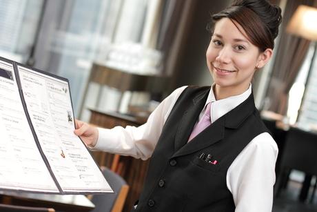 ゴルフ場内のレストラン・朝から夕方の勤務時間がメイン 正社員として活躍しませんか!
