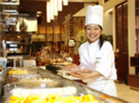 【給与日払い制度有・給料日関係なく必要なときGET】大型ビュッフェレストラン留学生OK 駅チカ