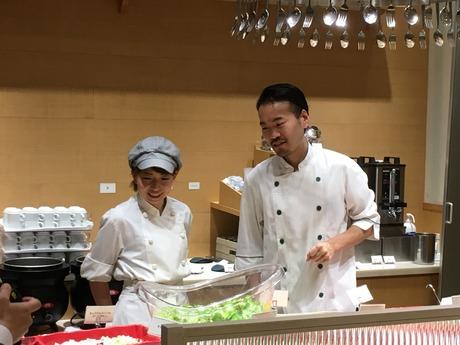 土日祝日勤務できる方【ホールスタッフ】アットホームな雰囲気な店内でおいしい料理を提供しよう